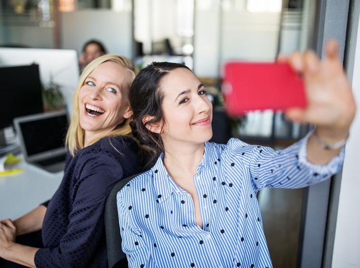 Фото №1 - Ничего личного: правила дружбы с коллегами