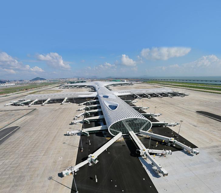 Фото №5 - Полет фантазии: 10 удивительных аэропортов мира