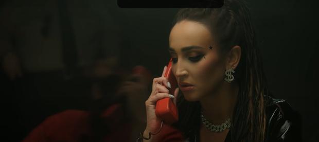 Фото №1 - В лучших традициях Голливуда: Ольга Бузова представила свой самый зрелищный клип