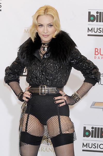 61-летняя Мадонна выложила фото в прозрачном нижнем белье