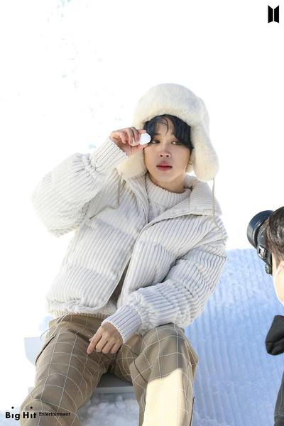 Фото №28 - Снежные ангелы: Big Hit Entertainment выложил 65 новых фото BTS 😍