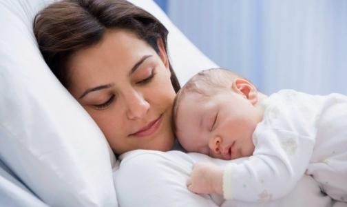 Фото №1 - Бесплатные смеси для беременных и кормящих появятся в Петербурге через неделю