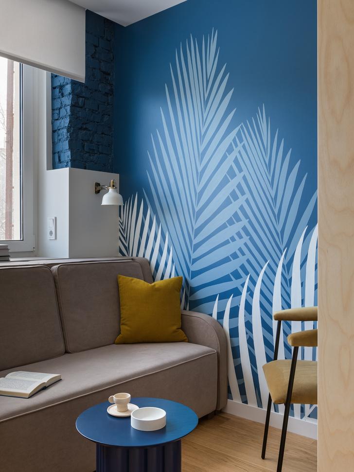 Фото №4 - Цветная студия 25 м² с кроватью на подиуме