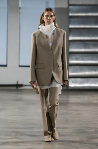 Фото №27 - От классики до сочных красок: лучшие костюмы с Недели моды в Нью-Йорке