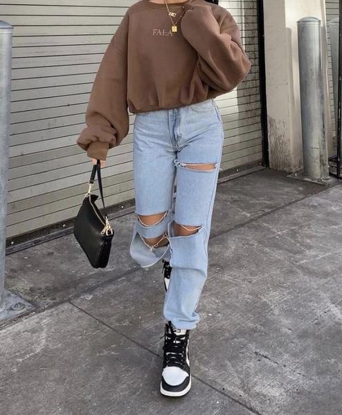 Фото №4 - С чем носить рваные джинсы— тренд весны 2021