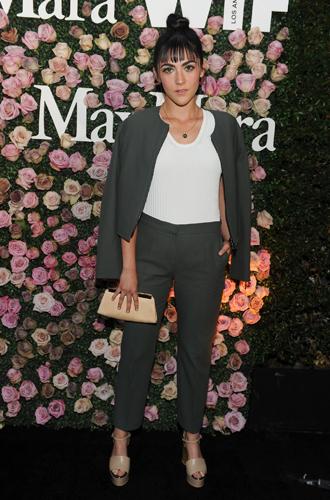 Фото №15 - Актриса из будущего: коктейль Max Mara в честь Зои Дойч
