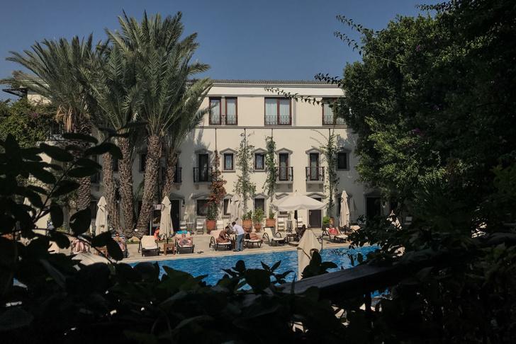 Фото №1 - В турецких отелях начали борьбу с курением