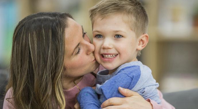 Сыновьям потакают больше, чем дочерям: правда ли это?