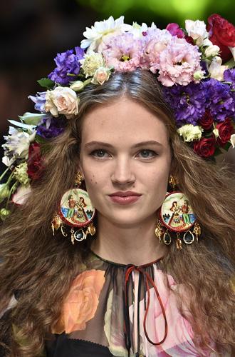 Фото №23 - Самые интересные beauty-тренды haute couture сезона весна-лето 2017