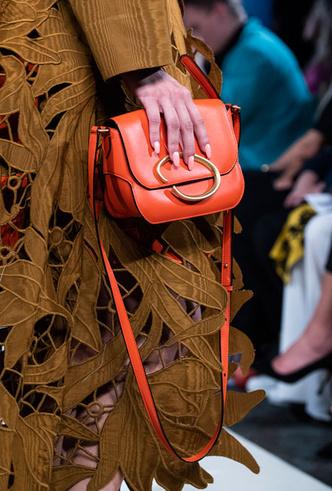 Фото №25 - Самые модные сумки весны и лета 2020
