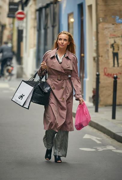 Фото №2 - Самый модный киллер: почему все влюблены в стиль Вилланель из «Убивая Еву»