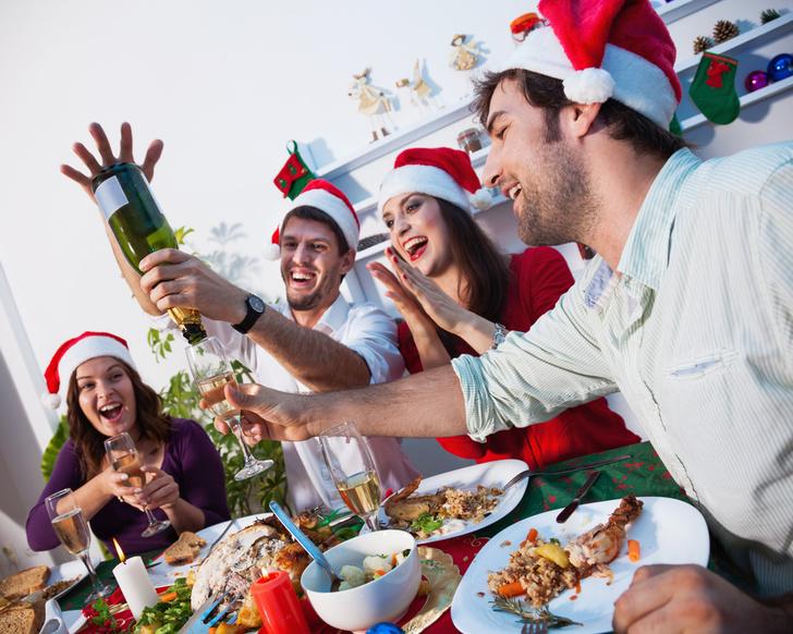 Фото №1 - Алкоголь заставляет людей есть больше, подавляя ингибиторный контроль