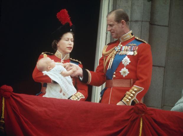 Фото №12 - Какой матерью Елизавета II была для своих детей