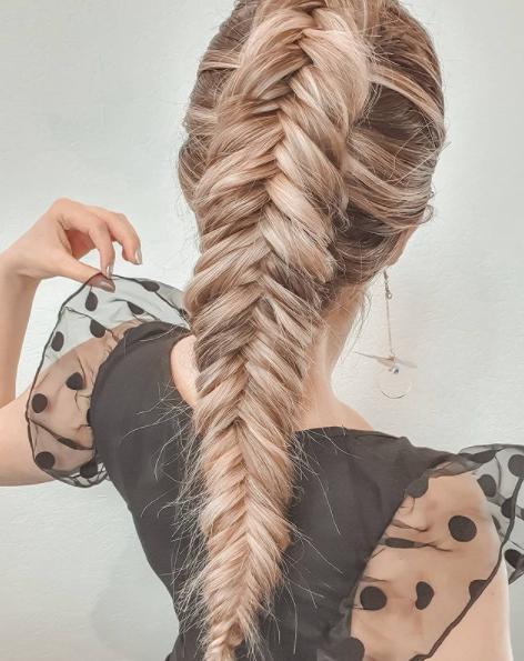 Фото №5 - Прически с косами: 8 стильных вариантов на лето