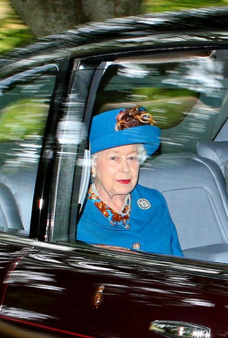 Фото №2 - Как герцогиня Кейт проводит время с королевой в Балморале