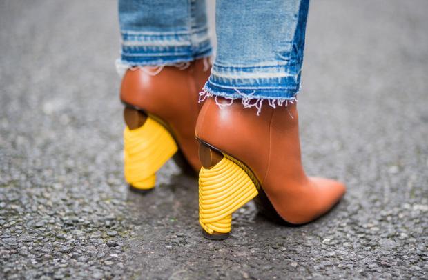 Фото №4 - Мюли, белые ботильоны и ugly shoes: 6 видов обуви на весну