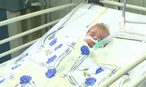 Фото №1 - Петербургские врачи рассказали Павлу Астахову о состоянии ребенка, вывезенного из Славянска