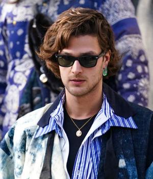 Фото №5 - 9 стильных стрижек для мужчин: тренды осени-2020