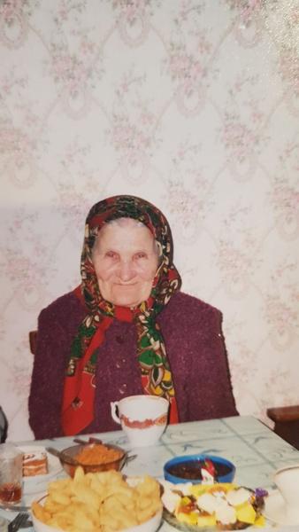 Фото №7 - «Мечтала быть милиционером, а теперь рисую»: как татарка Азалия нарушила семейную традицию и путешествует по свету