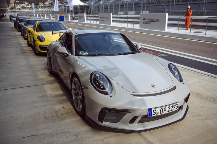 Фото №11 - Вирус Porsche: как прокатиться на всех моделях автомобильного бренда за один день