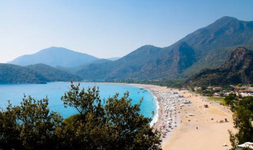 Фото №1 - Власти Турции назвали дату, когда начнут пускать туристов в страну без отрицательного теста на ковид