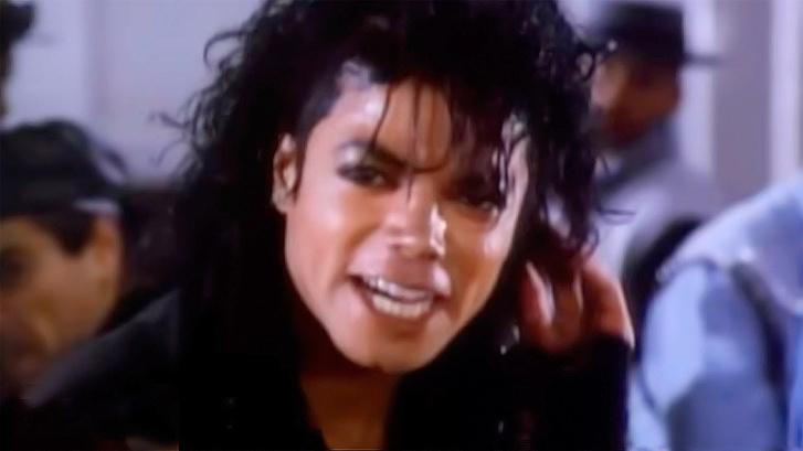Фото №1 - 13 самых необычных и забавных кавер-версий «Bad» Майкла Джексона