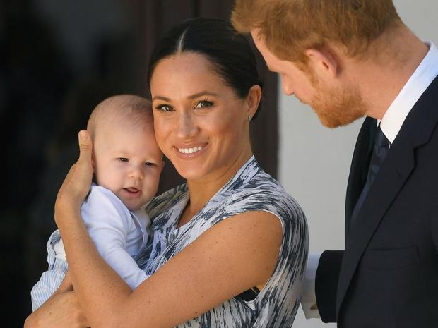 Фото №1 - Зачем герцогиня Меган изменила свидетельство о рождении Арчи