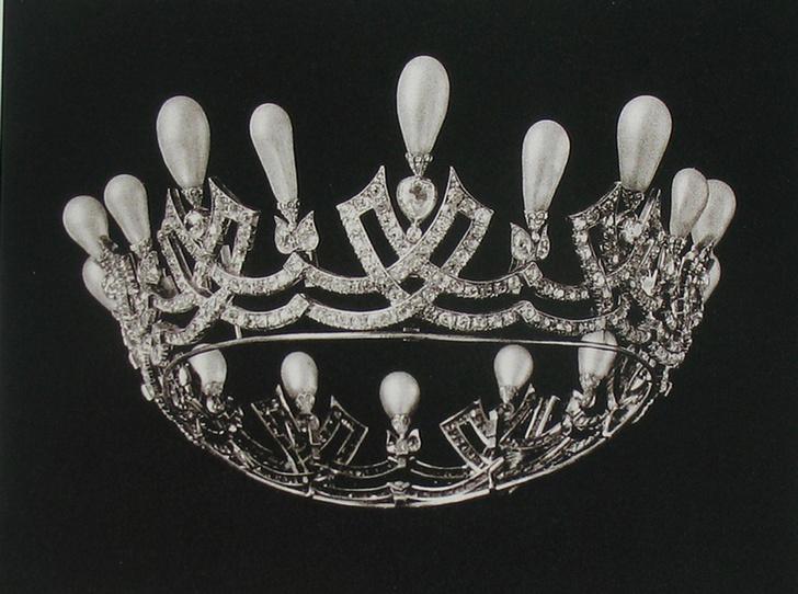 Фото №38 - Утраченные сокровища Империи: самые красивые тиары Романовых (и где они сейчас)