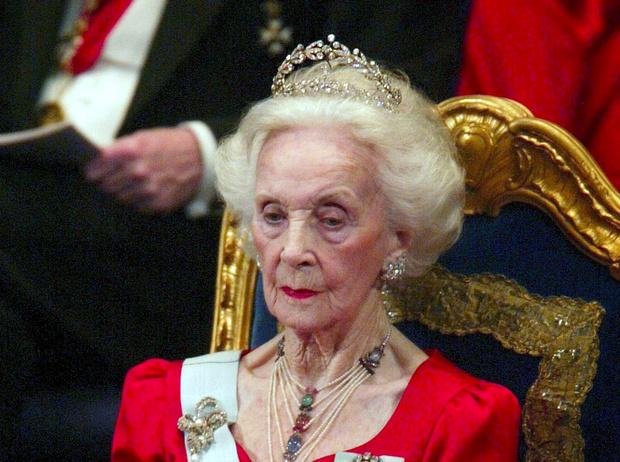 Фото №66 - От бижутерии до бриллиантов: тиары шведской королевской семьи