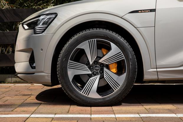 Фото №22 - Элегантный дизайн прогрессивных технологий: новый полностью электрический SUV Audi e-tron Sportback