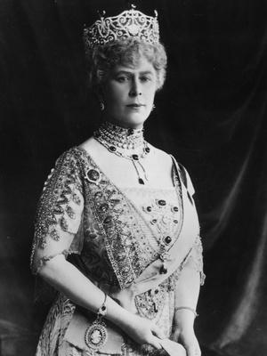 Фото №6 - Полный комплект: самые роскошные парюры британской королевской семьи