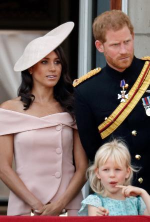 Фото №5 - Почему Елизавета II предпочитает яркие цвета в одежде