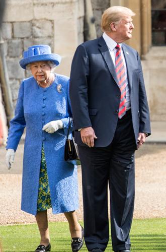 Фото №7 - Нарушил или нет: чего не сделал Дональд Трамп при встрече с Королевой (и был ли должен)