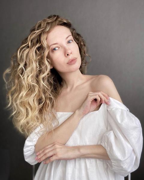 Фото №5 - 10 гениальных хаков, которые помогут быстрее отрастить длинные волосы
