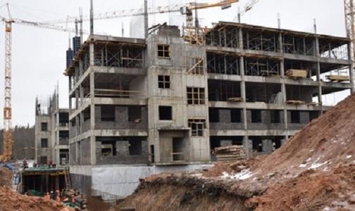 Фото №1 - В Гатчине ускорили строительство перинатального центра