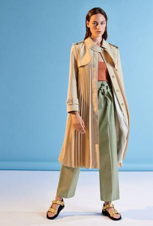 Фото №7 - Базовый гардероб парижанки: самые модные вещи Sandro для весны и лета 2020