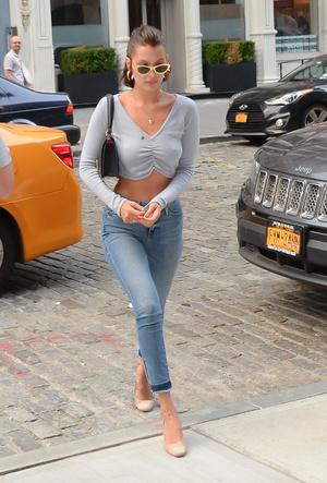 Фото №6 - С чем носить джинсы скинни сегодня: модные советы и удачные сочетания