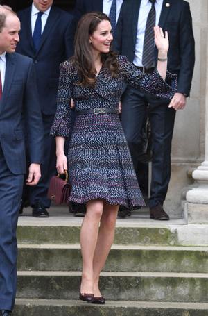 Фото №17 - Без церемоний: как Карл Лагерфельд провоцирует британских монархов