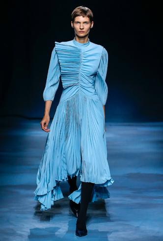 Фото №9 - Фаворит герцогини: что Меган Маркл наденет из новой коллекции Givenchy SS 2019