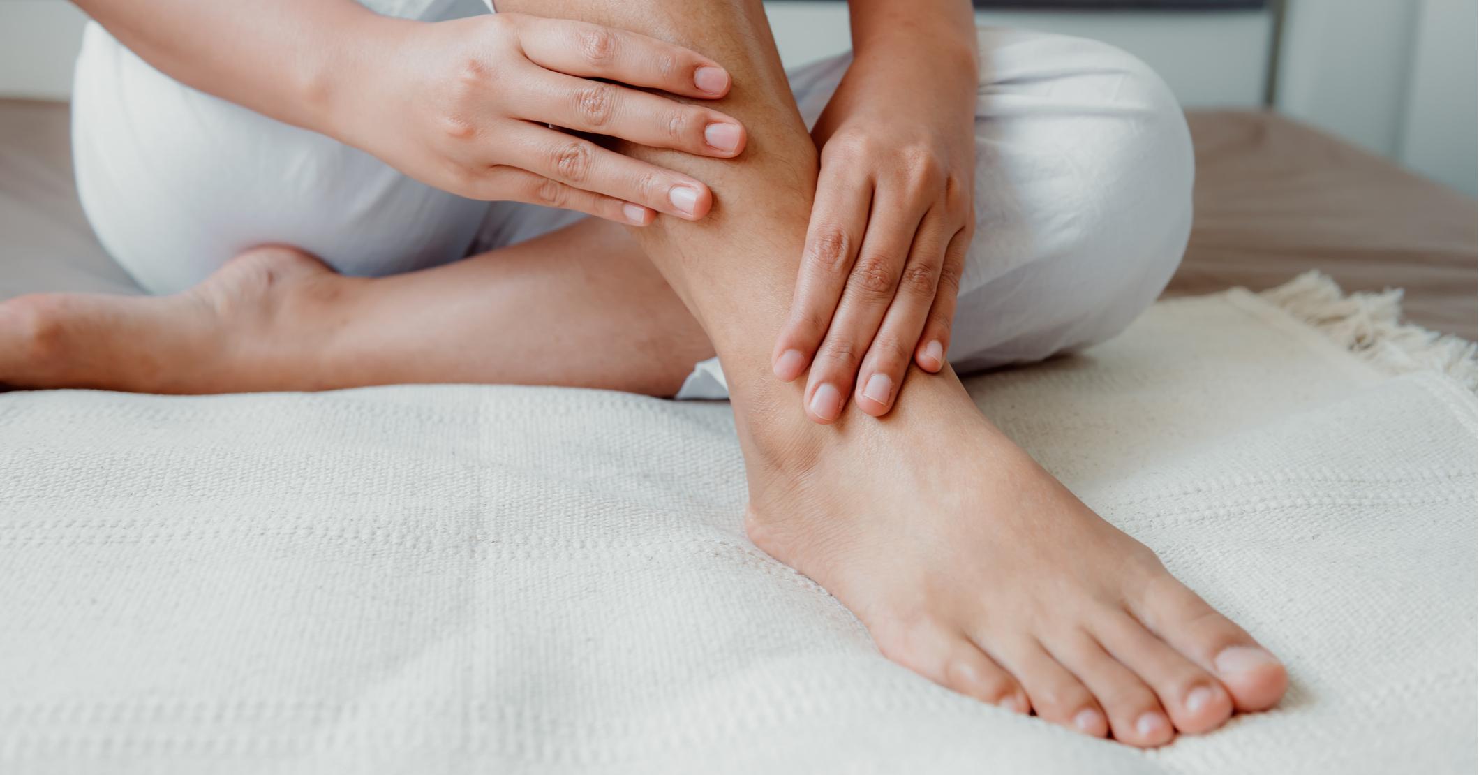 Горят ноги: причины, что делать, лечение, если горят ступни ног