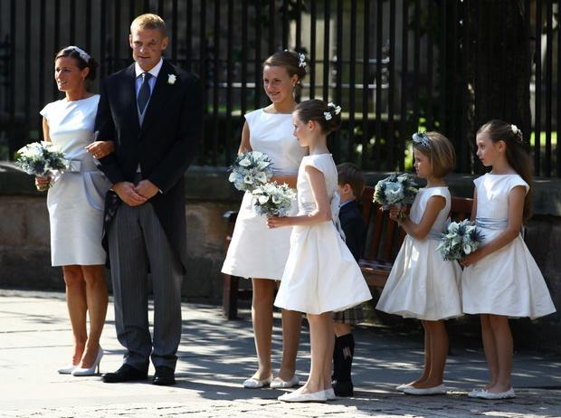 Фото №4 - Задолго до Меган: как Зара Тиндолл нарушила протокол на своей свадьбе