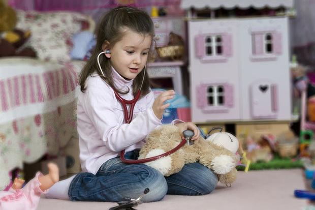 Фото №2 - Как научить ребенка не бояться докторов
