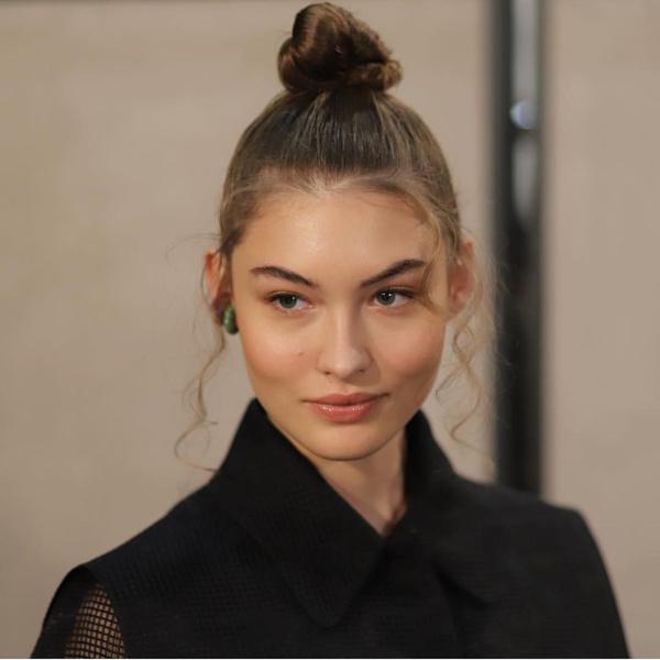 Фото №1 - Good hair day: 5 самых модных укладок в 2020 году