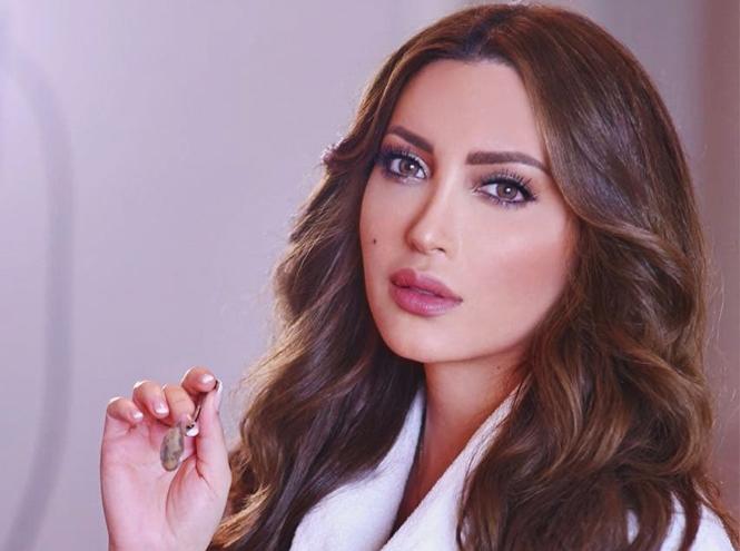 Фото №19 - Звезды Востока: как выглядят 10 самых популярных арабских актрис