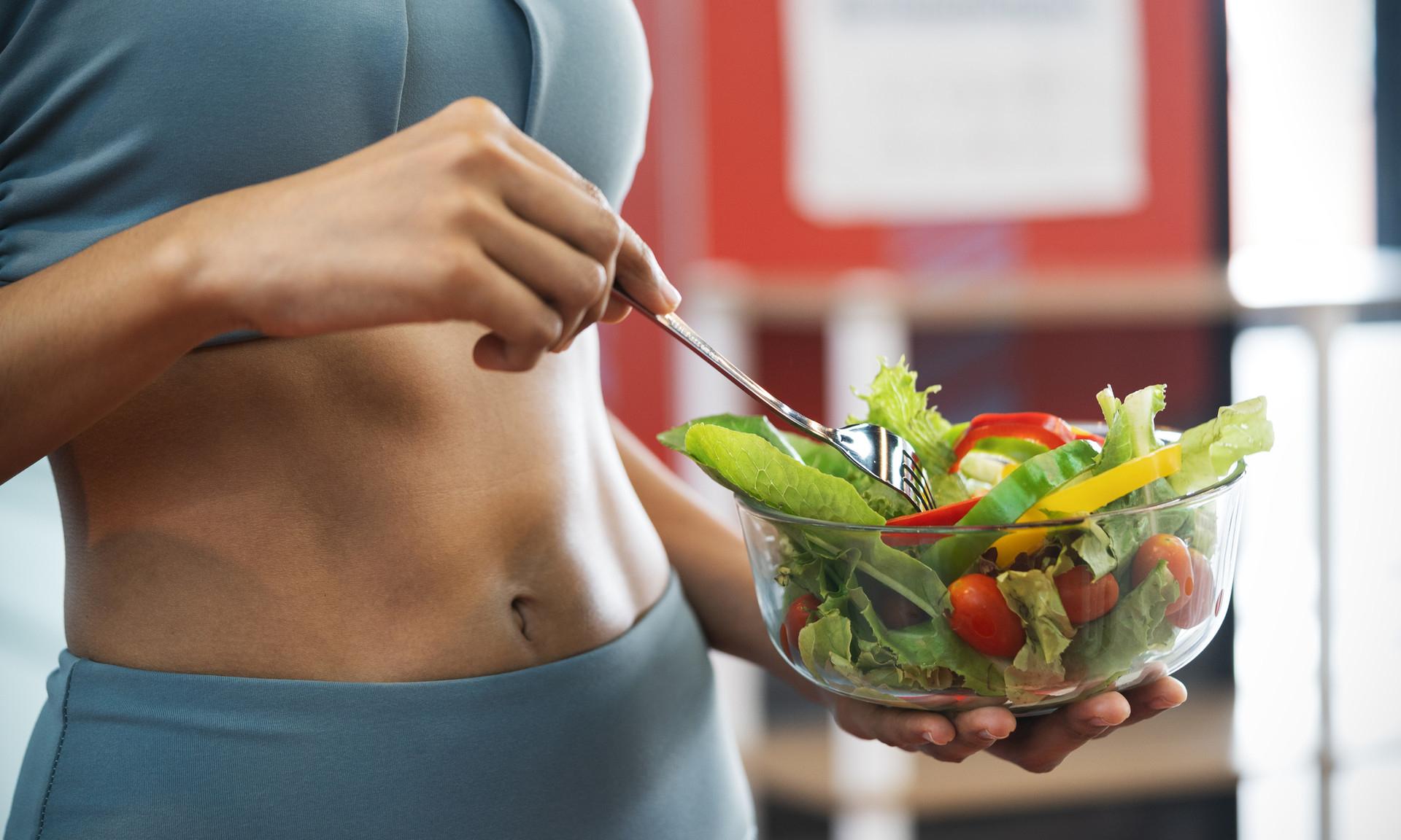 3 популярных способа похудеть, которые на самом деле не работают