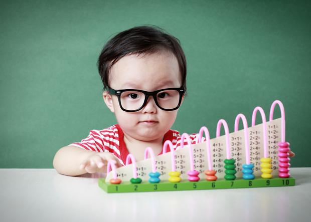 Фото №1 - Раньше, чем вы думаете: когда начинать учить ребенка считать