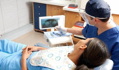 Фото №1 - Главный стоматолог Петербурга: Пора открывать плановый прием. Иначе рискуют и пациенты, и врачи