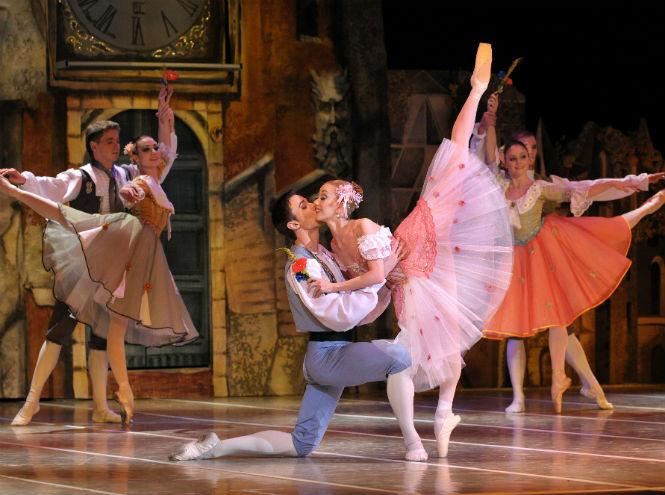 Фото №3 - Театр «Новой оперы» представляет балет «Коппелия»