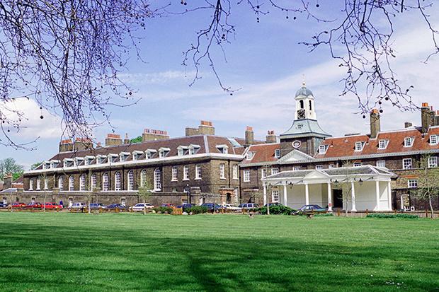 Фото №3 - Королевское общежитие: кто-кто в Кенсингтоне живет?