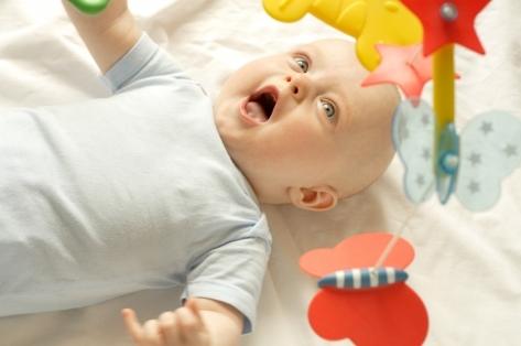 5 месяцев ребенку: что должен уметь